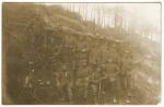 Soldats allemands devant leur baraque