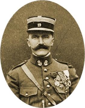 Le Commandant DUCORNEZ, Commandant le 19ème Bataillon de Chasseurs à Pieds du 13 septembre 1914 jusqu'à la fin de la guerre.